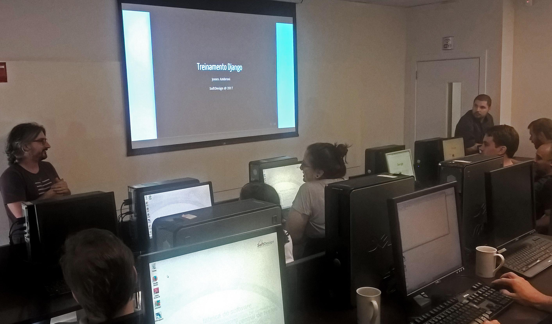 SoftDesign realiza treinamento Django para os colaboradores e finaliza com um DOJO