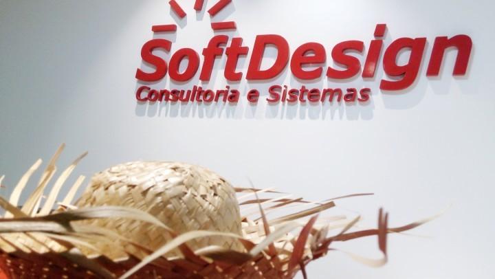 Arraiá da SoftDesign e homenagem aos funcionários por tempo de casa