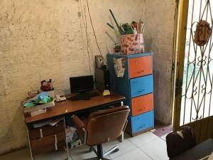 Computador doado na entrada do Centro Infantil.