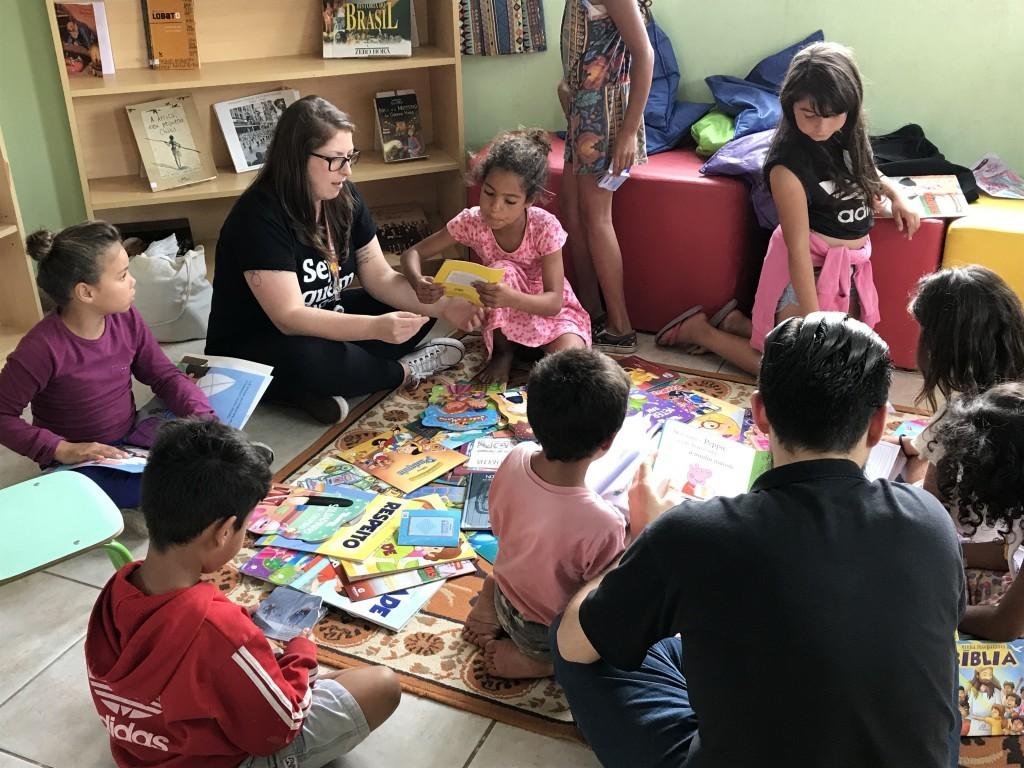 Doação de Livros: Morro da Cruz