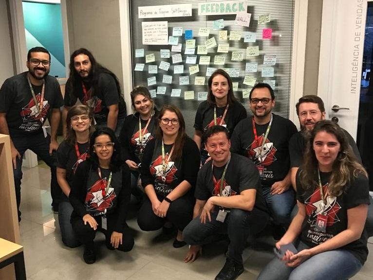 Time Programa de Trainee SoftDesign junto ao Feedback Wall colaborativo construído pelos candidatos.